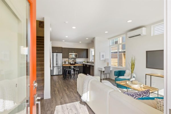 Entry of 6913A at Oxbow II in Georgetown by Sage Homes Northwest