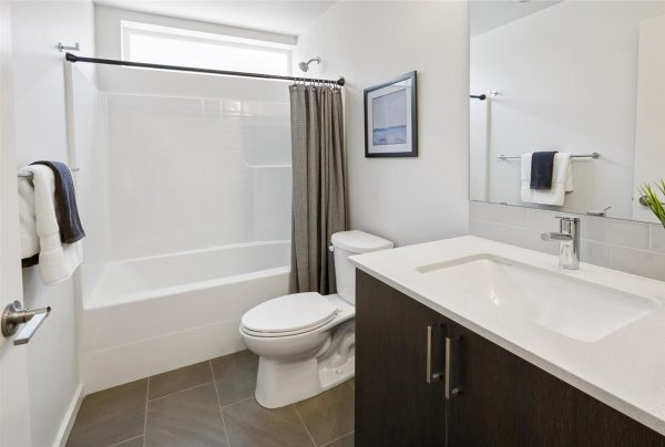Main Bath of 6913A at Oxbow II in Georgetown by Sage Homes Northwest